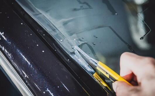 汽车太阳膜贴膜绝技分享之高精准裁膜